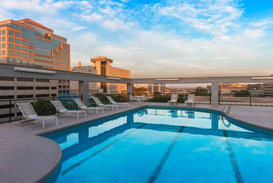 Sheraton Outdoor Heated Rooftop Pool